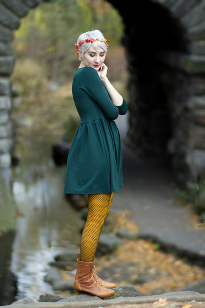 vintage boots - PERSUNMALL dress - Ross tights