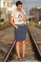 bleu beret shirt - vintage skirt