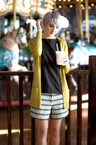 vintage flats - Joe Fresh shorts - vintage blouse - last chance cardigan