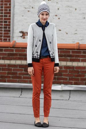 Japan cardigan - Joe Fresh hat - Joe Fresh blouse - H&M pants