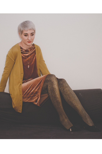 vintage shoes - Joe Fresh dress - asos tights - last chance cardigan