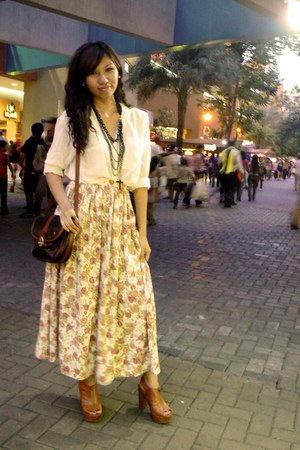 floral maxi skirt - white sheer top