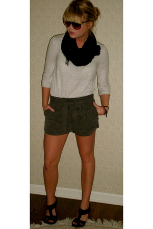 forever 21 shorts - H&M scarf - Quiksilver blouse - Jeffrey Campbell shoes