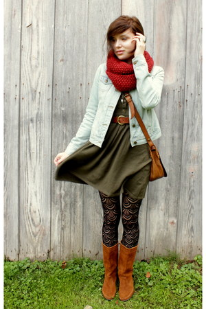 brown Minnetonka boots - olive green knit Forever 21 dress