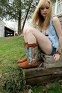 Minnetonka-boots-denim-destroyed-shorts-american-eagle-top-belt-handmade