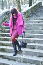 black leather Hoegl boots - maroon Carlo Cecci coat