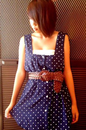 navy polka dots uk top - dark brown Friends accessories