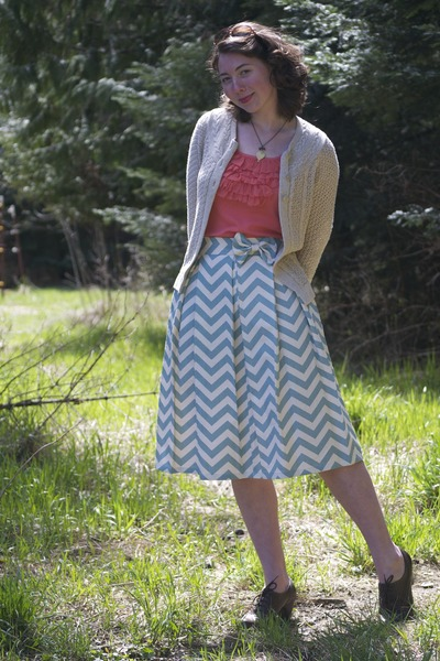 Kellie Falconer skirt - oxford eurostep heels - oatmeal thrifted cardigan