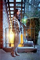 black circle scarf Gap scarf - tan suede short Dolce Vita boots