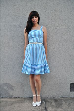 blue vintage dress - white vintage belt - white vintage shoes