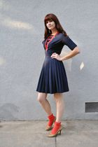 red stockings - gold heels Enzo Angiolini shoes - blue sailor vintage dress