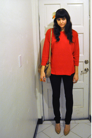 red thrifted sweater - black J Brand jeans - beige shoes - beige thrifted purse