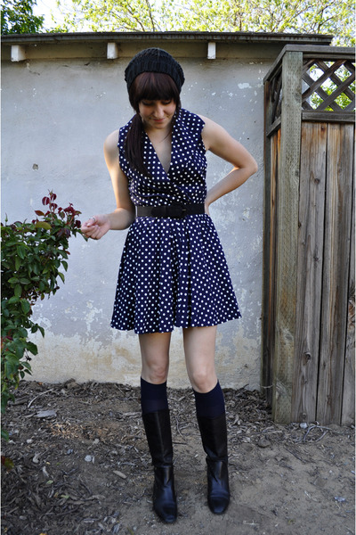 blue vintage dress - black thrifted belt - blue moms stockings - black thrifted