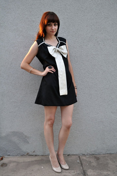 black bow vintage dress - beige Bandolino shoes
