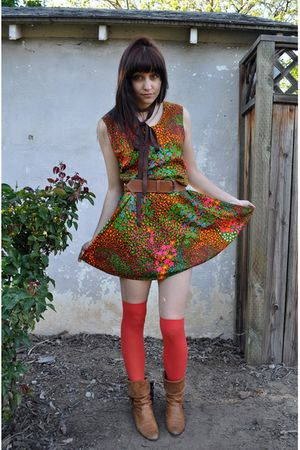 red knee highs Target stockings - brown fringe vintage boots - vintage dress