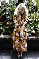 dark khaki glitter pumps Steve Madden heels - brown Kelsey Genna dress