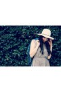 Charcoal-gray-gingham-thrifted-vintage-dress-cream-fedora-forever-21-hat