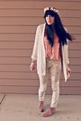 Light-pink-suede-target-boots-cream-floral-target-jeans