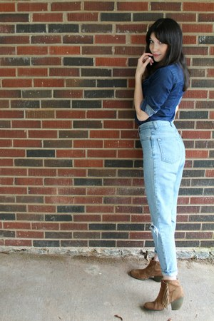blue chambray thrifted top - camel fringed thrifted boots