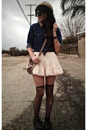 off white ruffled OASAP skirt - beige bow romwe hat