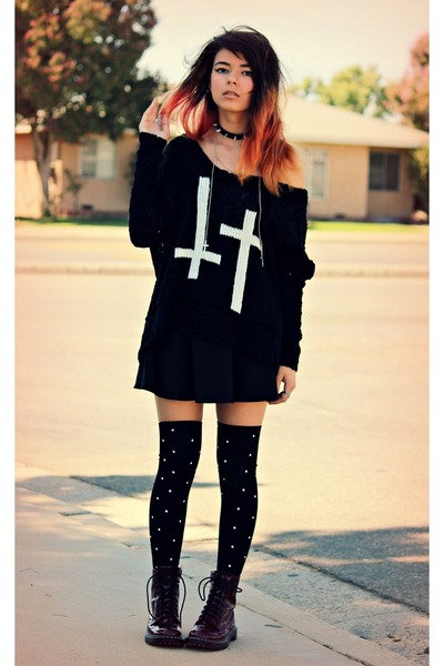 black cross inlovewithfashion sweater - crimson lace-up Target boots