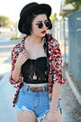 Black-felt-forever-21-hat-blue-spikes-romwe-shorts-red-floral-romwe-blouse