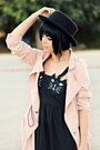 Black-cats-romwe-dress-nude-romwe-coat-black-felt-forever21-hat