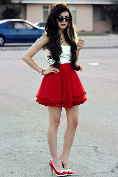 ruby red Chicwish skirt - black spikes Chicwish bracelet