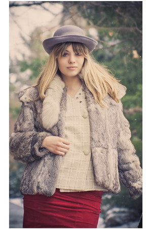 silver mink fur The Vintage Twin coat - off white studded collar The Vintage Twi