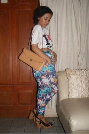 shoes - purse - pants - t-shirt