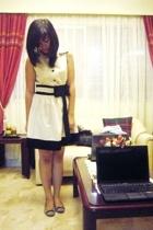 Ochie Tiendesitas dress - Happy Feet shoes