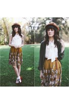 Darling skirt - vintage hat - American Apparel top