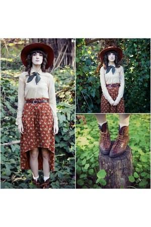 vintage boots - vintage hat - American Apparel scarf - vintage skirt