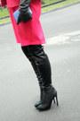 Black-windsor-shoes-hot-pink-gaudi-coat