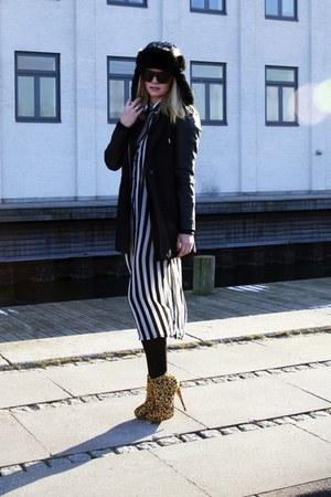 Topshop boots - Barts hat - Stradivarius jacket