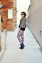 navy crushed velvet Kimchi Blue boots - off white baroque H&M leggings