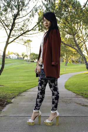 black H&M leggings - crimson Forever 21 blazer
