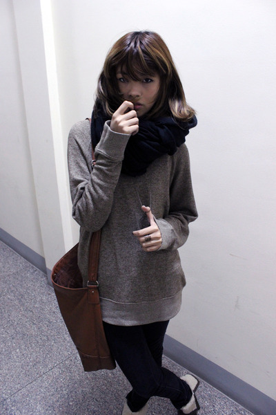 black H&M jeans - brown H&M bag - camel merona sweatshirt
