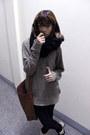 Black-h-m-jeans-brown-h-m-bag-camel-merona-sweatshirt