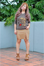 Tan-faux-leather-forever-21-skirt-brown-strappy-zara-heels
