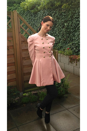 light pink romwe coat - black studded Deichmann boots