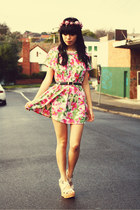 vintage dress - KANI accessories - vintage belt - betts wedges