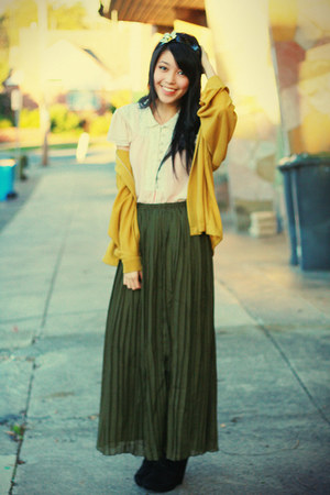 dark green romwe skirt - light pink bardot top - mustard vintage cardigan