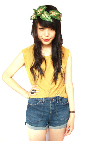 vintage top - Miss Shop shorts - KANI accessories