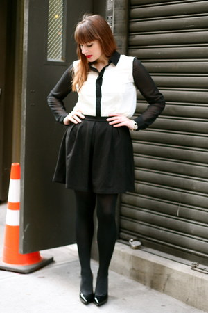 black Dorothy Perkins skirt - black HUE stockings