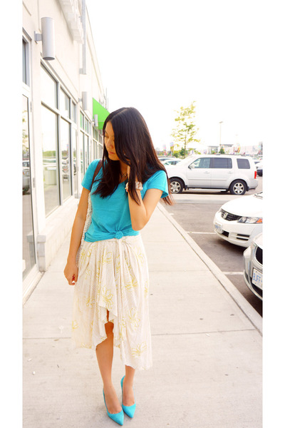 cream H&M skirt - aquamarine Manolo Blahnik shoes - aquamarine Forever 21 top