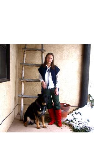 vest - blouse - jeans - boots