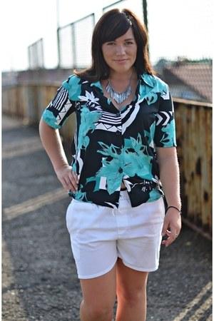 no name shirt - white no name shorts - silver H&M necklace