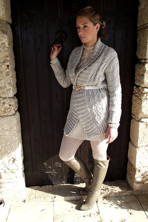 wool Zara cardigan - Charles & Keith boots - lace vintage blouse