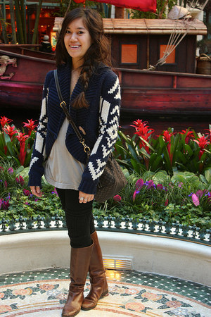 Ralph Lauren boots - American Eagle sweater - Forever 21 leggings - Louis Vuitto